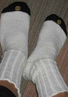 Sukat ylioppilaalle Socks, Knitting, Crochet, Fashion, Stockings, Crochet Hooks, Moda, Tricot, Fashion Styles