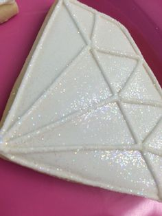Ive made diamond cookies a couple times recently so I figured I would just post them both together! The first round I did a pale blue with bright white diamond outlines. These were for a 25 Diamond Wedding Theme, Diamond Theme, Diamond Party, 60th Anniversary Parties, Anniversary Cookies, 60 Wedding Anniversary, Anniversary Ideas, Diamond Cake, Homemade Wedding Gifts