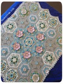 Frida's Flowers Blanket alt. Colorway - Well, yesterday was really a special day. First, it was Women's Day.  Women's Day is celebrated in South Africa on August 9. There ...