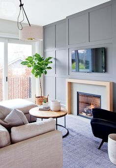 Amazing living room tv wall decor ideas and remodel 00014 Fireplace Feature Wall, Feature Wall Living Room, Fireplace Wall, Living Room Tv, Interior Design Living Room, Home And Living, Living Room Designs, Living Spaces, Feature Walls