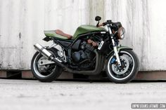 The Yamaha 600 Fazer Cindy, a real cafe-racer . - Anything that sooths the eye - Motorrad Style Cafe Racer, Modern Cafe Racer, Cafe Racer Girl, Custom Cafe Racer, Bike Style, Suzuki Cafe Racer, Cafe Racers, Yamaha Fz Bike, Yamaha Motorcycles