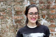 street style - look do dia - ootd - fashion - blogger - short hair - cabelo castanho - óculos de grau – óculos quadrado - óculos anos 80 - 80's glasses - retrô - square glasses