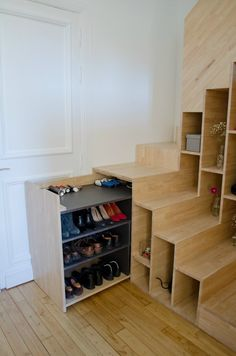 Appartement M - Picture gallery #staircase #storage