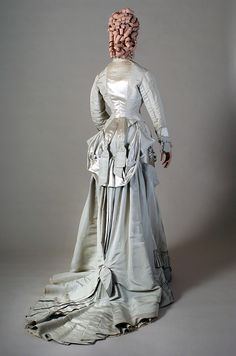 Reception or dinner dress of pale grey silk faille and satin, English, ca. 1876, KSUM 1983.1.117 ab.