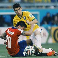 Oscar e Aránguiz na Copa 2014
