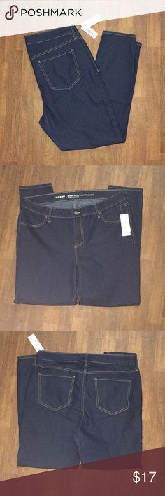 NWT Old Navy Dark Wash Jeans Old Navy Jeans Super Skinny Mid-Rise Dark Wash Size 14 Regular Standard  NWT Old Navy Jeans Skinny