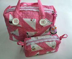 Lili Ponto a Ponto: #Bolsa bebê rosa em #patchwork.