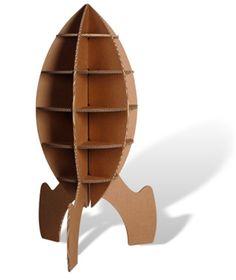 Rakketkast van karton: http://www.papierenkarton.org/alles-van-papier-en-karton/architectuur-interieur/meubels