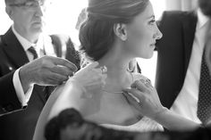 Bel-Air Bay Club - Bride getting ready by Michael Segal Photography #bride #weddings #belair #belairbayclub #belairbayclubweddings #michaelsegal #michaelsegalphotography #michaelsegalweddings