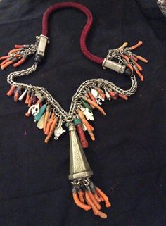 Necklace coral in si
