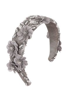 Bespoke couture hair acessories beautifully hand-made in the London Studio. Diy Headband, Wedding Headband, Floral Headbands, Fascinator Hats, Headpiece, Fascinators, Headband Hairstyles, Diy Hairstyles, Wedding Hair Accessories