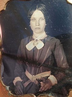 Antique Photos, Vintage Pictures, Vintage Photographs, Old Pictures, Vintage Images, Victorian Women, Victorian Era, Victorian Photos, Photos Du