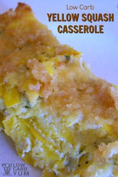 This easy low carb yellow squash casserole recipe is made without cheese. It& topped with a mix of butter and pork rinds with eggs holding it together. Yellow Squash Casserole, Summer Squash Casserole, Zucchini Squash Casserole, Ketogenic Recipes, Low Carb Recipes, Ketogenic Diet, Keto Foods, Carb Free Foods, Free Recipes