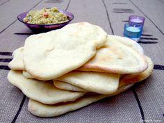 Pain Pita - pain libanais Plats Healthy, Croissants, Naan, Bakery, Food Porn, Food And Drink, Favorite Recipes, Bread, Cooking