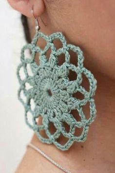 Crochet paso a paso aretes en Ideas Crochet Jewelry Patterns, Crochet Earrings Pattern, Crochet Accessories, Crochet Motif, Crochet Lace, Knitting Patterns, Crochet Necklace, Crochet Granny, Knitting Ideas