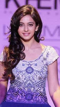Rakul Preet singh actress thunder thighs sexy legs images and sexy boobs picture and sexy cleavage images and spicy navel images and sex. Indian Celebrities, Beautiful Celebrities, Beautiful Actresses, South Indian Actress, Beautiful Indian Actress, Rakul Preet Singh Saree, Anushka Photos, Stylish Girl Pic, Beautiful Girl Image