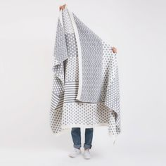Supersoft wool blanket knitted in Santiago·Chile with ♥ MinkaInhouse