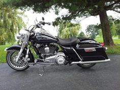 """road king with solo seat 