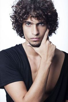 2017 Latest Curly Hairstyles for Men