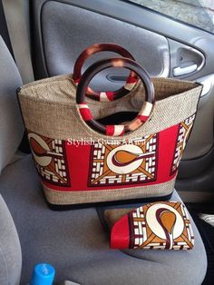 Accessories: Latest African Print Bags Every Woman Needs - African fashion African Accessories, African Jewelry, Fashion Accessories, African Inspired Fashion, African Print Fashion, African Prints, Ankara Fashion, My Bags, Purses And Bags