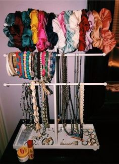 Scrunchies - Just another WordPress site Cute Room Ideas, Cute Room Decor, Teen Room Decor, Bedroom Decor, Bedroom Ideas, Aesthetic Room Decor, Room Goals, Dream Rooms, Room Organization