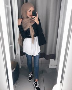 sue meyraa - The world's most private search engine Outfits Casual, Casual Hijab Outfit, Hijab Dress, Mode Outfits, Fashion Outfits, Swag Dress, Modern Hijab Fashion, Street Hijab Fashion, Muslim Fashion
