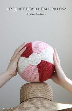 Crochet Beach Ball Pillow - free pattern