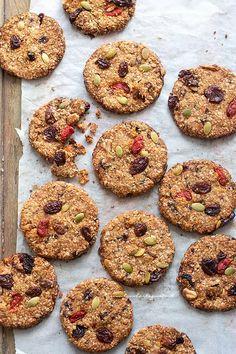 Biscotti light e dietetici (senza zucchero senza uova senza burro nè farina! Biscotti Cookies, Healthy Cake, Healthy Snacks, Menu Dieta, Pecan Cake, Banana Recipes, Light Recipes, Love Food, Sweets