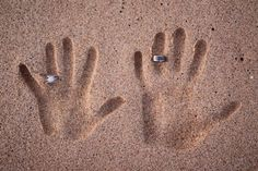Really cute, but I would be afraid of losing the rings!  ~  Bing : family beach photos ideas