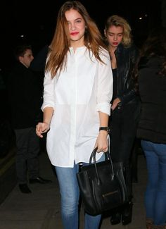 Barbara comes out from Edition Hotel Bar in London - the irresistible barbara palvin