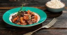 mosxari-me-maurodafnh-kai-melwmenh-saltsa Cooking Time, Cooking Recipes, Food Categories, Greek Recipes, Recipies, Curry, Food And Drink, Beef, Meals