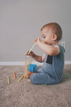 Great Montessori activity for baby You are in the right place about montessori tablett Here we offer Activities For 1 Year Olds, Toddler Learning Activities, Montessori Toddler, Toddler Play, Baby Learning, Montessori Activities, Infant Activities, Montessori Bedroom, Montessori Materials