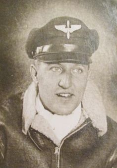Sgt. Bob Weiler in his 20s when he flew as a waist-gunner aboard a B-29 bomber out of a base on Guam to bomb Japan during the Second World War. Photo provided