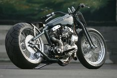 Harper Shovelhead by Krugger SpeedShop/older Shovelhead motor with magneto.