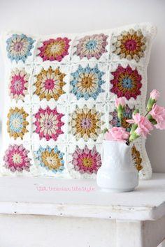 Transcendent Crochet a Solid Granny Square Ideas. Inconceivable Crochet a Solid Granny Square Ideas. Love Crochet, Crochet Motif, Beautiful Crochet, Crochet Flowers, Crochet Patterns, Afghan Crochet, Afghan Patterns, Crochet Pillows, Crochet Cushion Cover