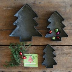 Creative Co-Op 3 Piece Christmas Tree Tray Set
