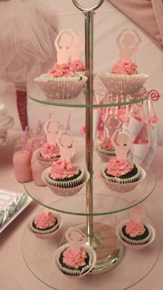 tops of these on skirts of other cupcakes?