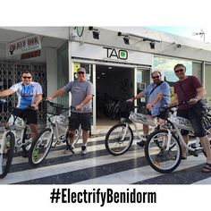 New costumers from #UK and #USA are enjoying an afternoon in #benidorm with our #taobikes #electricbikes #ecotourism #responsibletourism