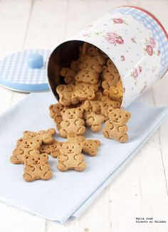 How to make extra crispy cookies, recipe to accompany your breakfasts and snacks Galletas Cookies, Milk Cookies, Coconut Cookies, Cupcake Cookies, Sweet Desserts, Sweet Recipes, Dog Food Recipes, Cookie Recipes, Baking Recipes