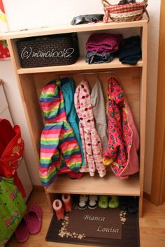 Mamahoch2: DIY Kindergarderobe