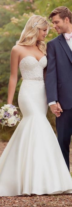 White bride dresses. All brides want to find themselves having the ideal wedding day, however for this they require the ideal wedding gown, with the bridesmaid's outfits actually complimenting the wedding brides dress. Here are a variety of suggestions on wedding dresses.