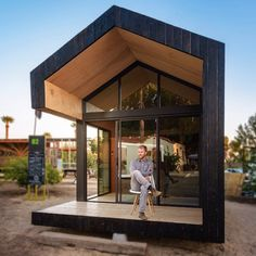 The Cinderbox, Phoenix by Hunter Floyd & Damon Wake #interiors #interiordesign #architecture #decoration #interior #home #design #furniture #architect #homedecor #decoration #decor #prefab #smallhomes #compact #compactliving #shed #cabin #tagsforlikes #tinyhomes #tinyhouse #minimalist #minimalism #decorating #tags4likes #houseboat #chalet #container #containerhouse
