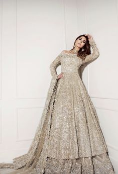 Dress to wear to a wedding 28 Best Ideas Indian Bridal Lehenga Wedding 28 Beste Ideen Indian Bridal Lehenga Hochzeit Asian Bridal Dresses, Lehenga Wedding, Pakistani Wedding Outfits, Indian Bridal Lehenga, Pakistani Bridal Dresses, Indian Bridal Wear, Pakistani Wedding Dresses, Indian Dresses, Walima Dress