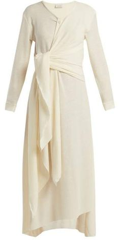 Shop our edit of women's designer Midi Dresses from luxury designer brands at MATCHESFASHION Abaya Fashion, Muslim Fashion, Fashion Dresses, Mode Abaya, Mode Hijab, Modest Dresses, Fall Dresses, Contemporary Dresses, Designer Dresses