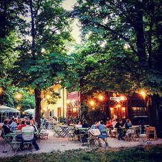 1000things.at präsentiert euch eine Auswahl an Locations in Wien, die jede Menge Romantik und Zweisamkeit garantieren.