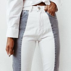 Two tone Jeans - Gray and white two tone jeans Source by Crafturday - Spring Outfits, Winter Outfits, Mode Outfits, Fashion Outfits, Fashion Tips, Mode Ootd, Look Fashion, Fashion Design, Denim Fashion