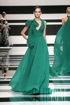 Elie Saab - Ready-to-Wear - Fall-winter 2008-2009 - http://en.flip-zone.com/fashion/ready-to-wear/fashion-houses-42/elie-saab,522