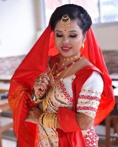 #bridalmakeup #makeupartist #makeup #mua #weddingmakeup #wedding #bridal #bride #bridalhair #indianwedding #beauty #makeuptutorial #indianbride #bridalmakeupartist #mekhelasador #assamesegirl #weddingphotography #weddingdress #bridesmaids #weddinghair #wakeupandmakeup #fashion #bridetobe #partymakeup #makeuplover #love #weddingday Bridal Make Up, Wedding Make Up, Bridal Hair, Wedding Day, Makeup Style, Party Makeup, Bridesmaids, Wedding Hairstyles, Wedding Photography