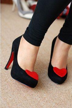 Z miłości do butów.