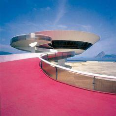THE NITERÓI CONTEMPORARY ART MUSEUM, RIO DE JANEIRO, BRAZIL   Niemeyer + Bruno Contarini
